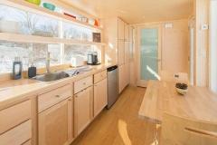 Кухня в модульном домике Vista