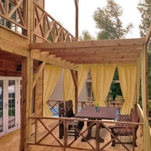 Сборный домик с террасой