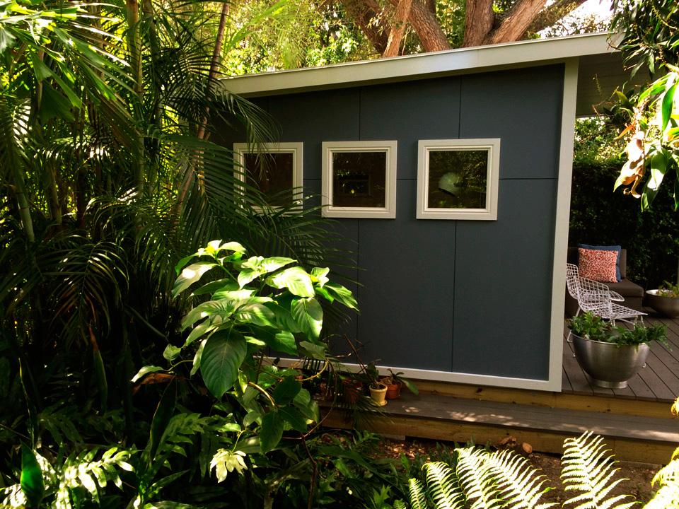 Сборный домик в джунглях